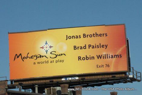 Mohegan Sun Jonas Brothers Brad Paisley Robin Wiliams